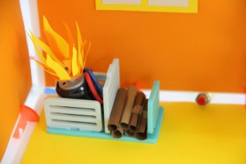 Roominate DIY Dollhouse fireplace